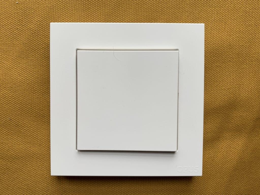 Eve Light Switch Rahmen und Blende können ausgetauscht werden.