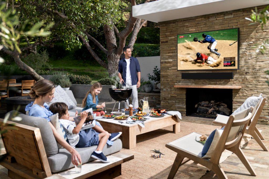 Samsung Terrace: Fernseher mit AirPlay 2 für den Außenbereich