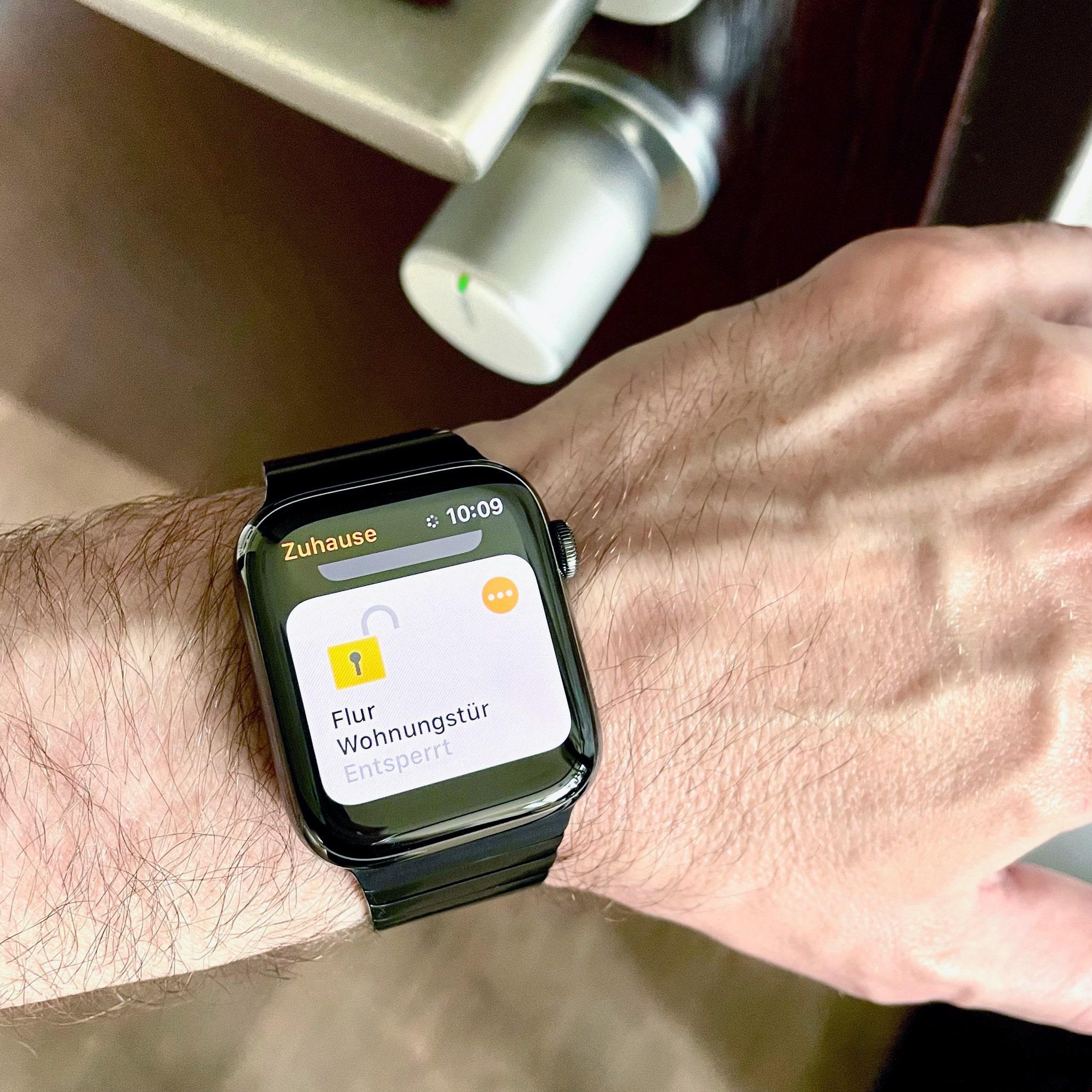 Tedee-Apple-Watch.jpg