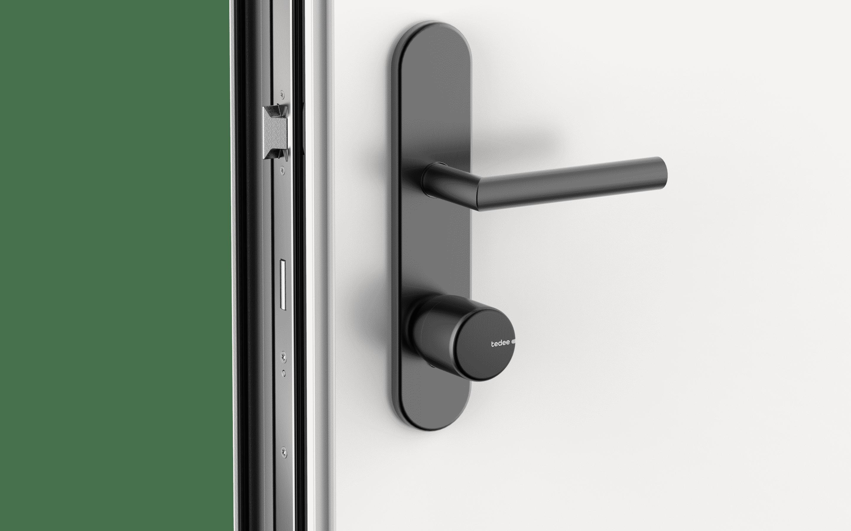 Tedee_Lock_black_door_DE_2.png